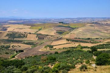 Vista panoramica sui campi lavorati