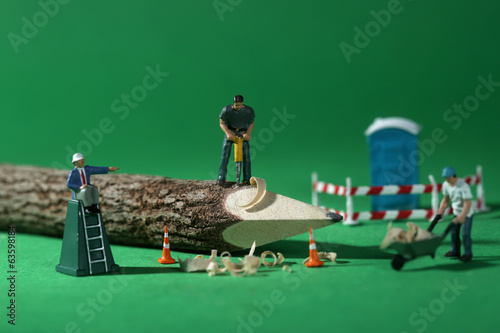 Construction Workers in Conceptual Imagery With Pencil