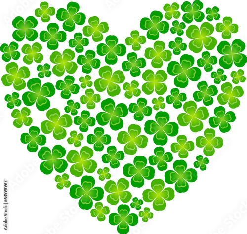 Heart-shaped made ​​of four leaf clover