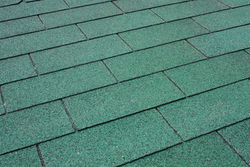 Green asphalt shingle