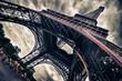 Leinwanddruck Bild - View of Eiffel tower in Grungy dramatic style