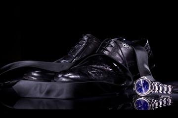 scarpe e cravatta