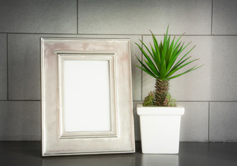 iron photo frame and mini artificial palm decoration