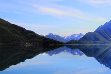 Holandsfjord mirroring