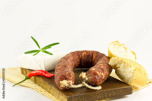 Salsiccia with the cheese and baguette