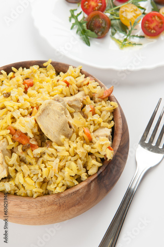 rice with chicken and vegetable salad