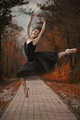 ballerina in autunno