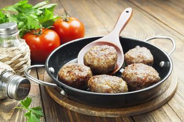 Meatballs in the pan
