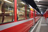 treno rosso del bernina alpi svizzere in inverno - 63635791