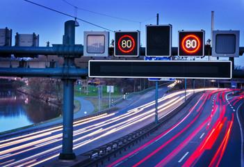 Verkehrstelematik an Autobahn– ITS Intelligent Transport Systems