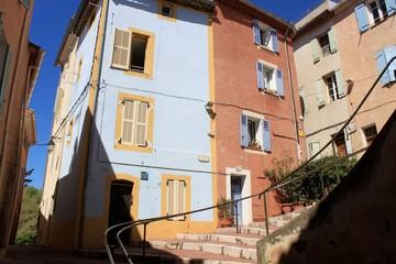 Rues et immeubles du centre ancien d'Aubagne