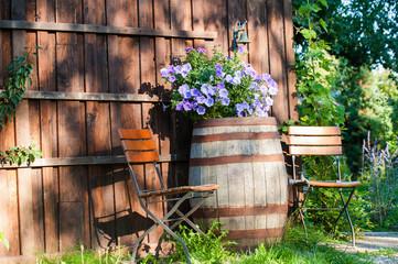Sitzplatz am Gartenhaus