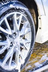 Wash car wheels shine