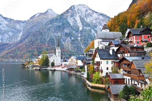 Autumn at Hallstatt lake Austria