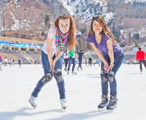 Image of group of teenagers on the ice