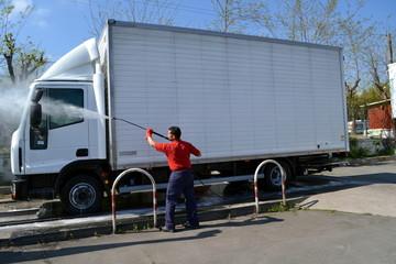 Lavaggio camion