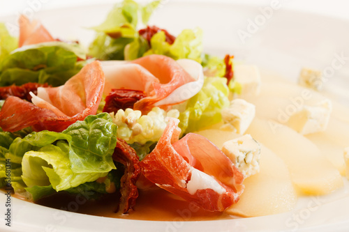 appetizer with pear, cheese and ham