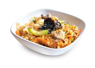 Spicy glass noodles with beef, vegetables and eggs