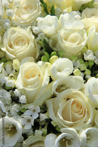 White wedding arrangement