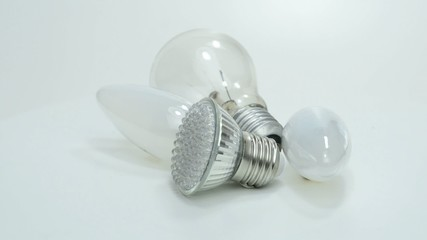 Alte und moderne Leuchtmittel