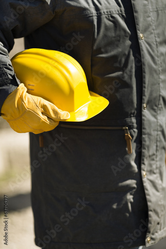 builder with yellow hard-hat