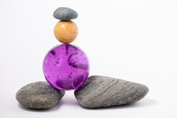 duas esferas e três pedras
