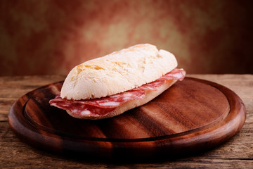 sandwitch with salami