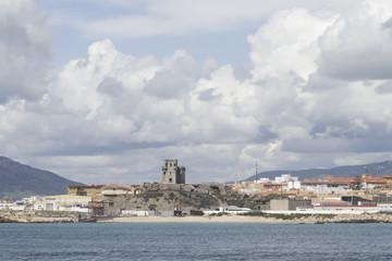 Fortaleza en la costa de Tarifa, España