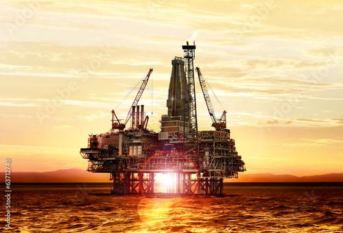 Leinwanddruck Bild gas production on the sea