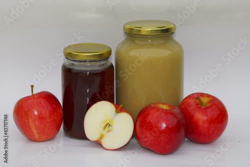 Apple jelly and sauce