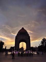 Denkmal am Abend