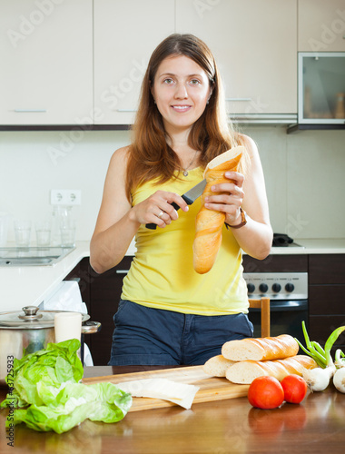 girl cooking sandwiches
