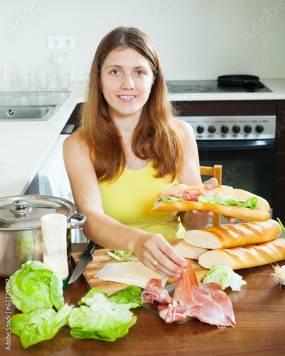 woman cooking spanish  sandwiches