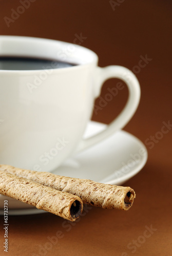 black coffee and wafers