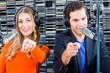 Radiomoderatoren auf Sendung