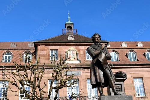 Papiers peints Statue Cuvier Montbéliard Mairie théâtre