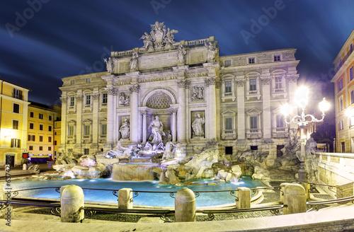 Foto op Aluminium Fontaine Rome, Italy - famous Trevi Fountain (Italian: Fontana di Trevi)