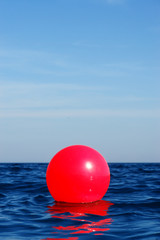 ball im meer