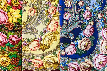 Pavlovsky Posad shawls