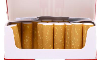 Zigaretten im Schahtel