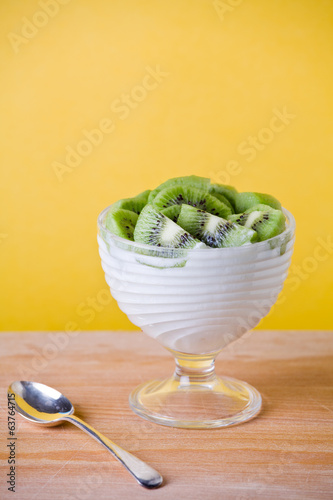 Yoghurt With Kiwifruit
