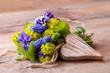 Romantischer Blumenstrauß mit Herz