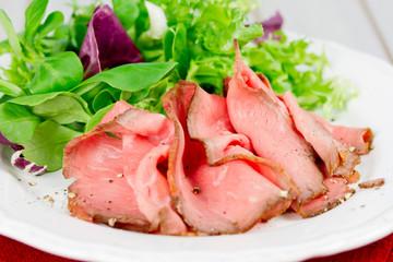 Roastbeef mit Salat