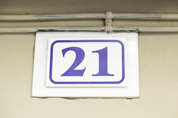 Number twenty-one in a wall