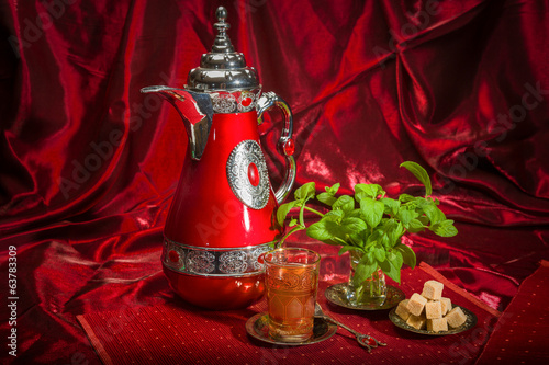 Traditional Arabic mint tea