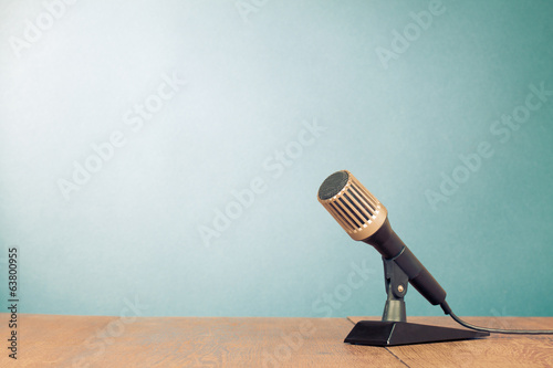 Retro microphone front gradient background