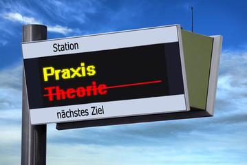 Anzeigetafel 3 - Praxis vs Theorie