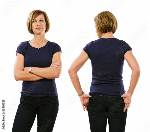 Woman in her forties wearing blank purple shirt
