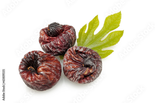 Black dried figs