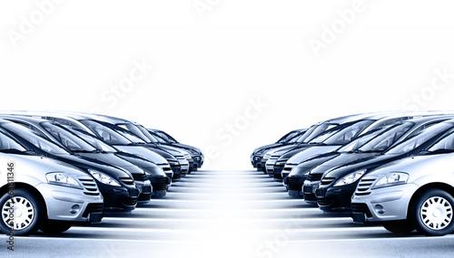 Viele Fahrzeuge - 63811346